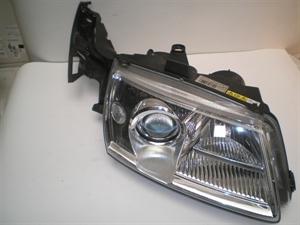 Obrázek produktu: Pravý přední světlomet SAAB 9-5 xenon