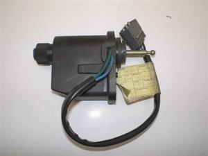 Obrázek produktu: Sklápění světlometu SAAB 9000 CS