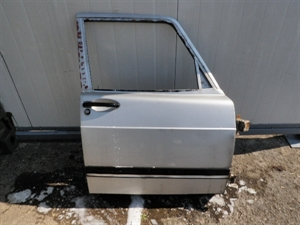Obrázek produktu: Pravé přední dveře SAAB 900
