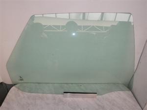 Obrázek produktu: Sklo pravé zadní SAAB 900