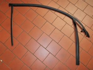 Obrázek produktu: Těsnění do pravých předních dveří SAAB 9-3