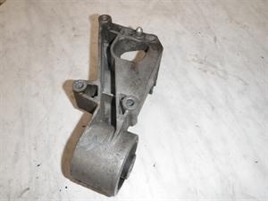 Obrázek produktu: Držák motoru II SAAB 9000