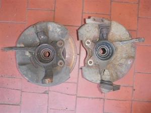 Obrázek produktu: Těhlice levá + pravá s nábojem SAAB 900