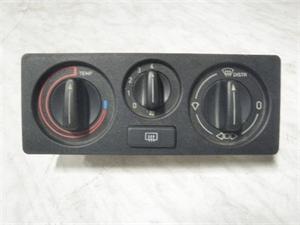 Obrázek produktu: Ovládání topení SAAB 9000