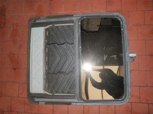 Obrázek produktu: Střešní okno SAAB 900 II