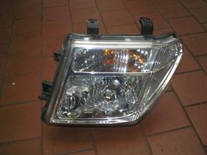 Obrázek produktu: Světlomet Nissan Navara, Pathfinder L
