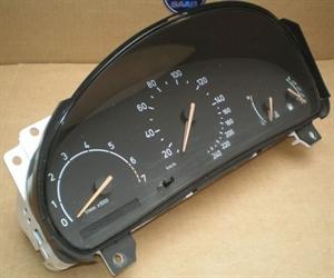 Obrázek produktu: Tachometr SAAB 900 II