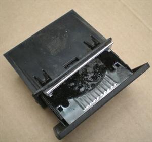 Obrázek produktu: Popelník SAAB 900 II